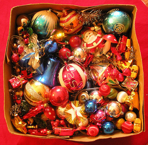 212570 Box Of Assorted Christmas Decorations
